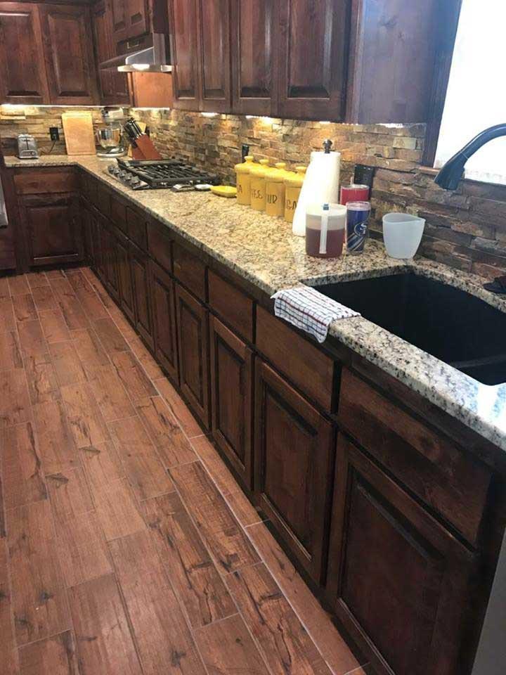 Oklahoma granite kitchen stacked stone backsplash